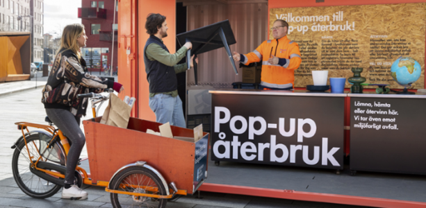 pop-up återbruk tar emot saker och lånar ut lådcykel